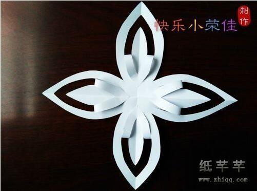 【八瓣花剪纸】折法 【八瓣花剪纸】步骤